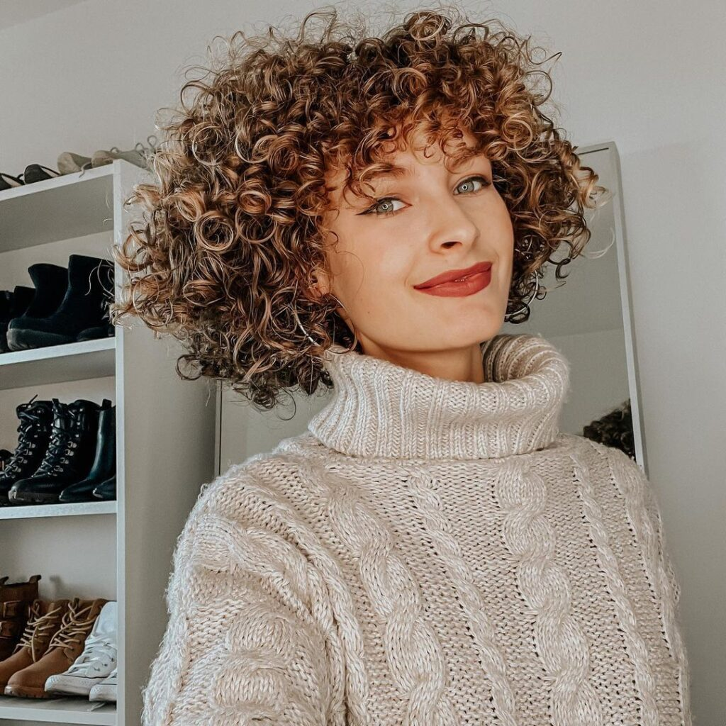 Curly Girl Method For Wavy Hairstyle